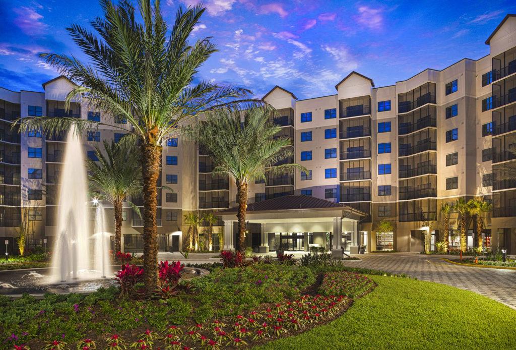 Grove_Resort_Hotel_Rotunda_100